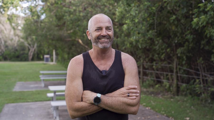 Skilled trainer provides free fitness boot camp 3